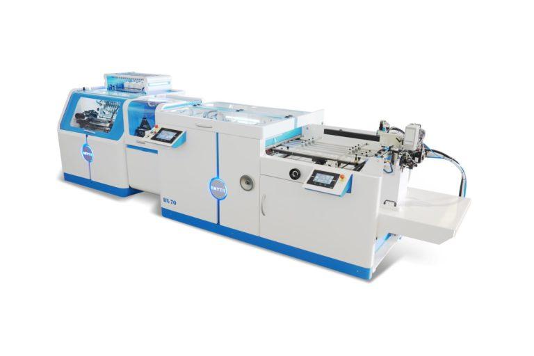 """Jüngste Maschine im Hause: Falz- und Fadenheft-System """"DX-70"""" zur Weiterverarbeitung von B2-Bogen. Foto: Smyth"""