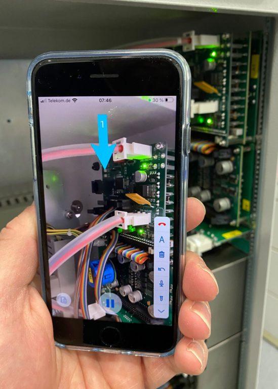 """Remote-Service-App """"TeamViewer Pilot"""" auf dem Smartphone. Foto: Baumer hhs"""