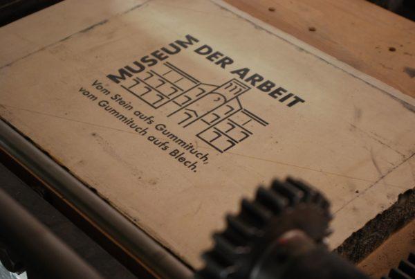 Steindruckplatte im Werkstattmuseum Hamburg-Barmbek. Foto: Frank Baier