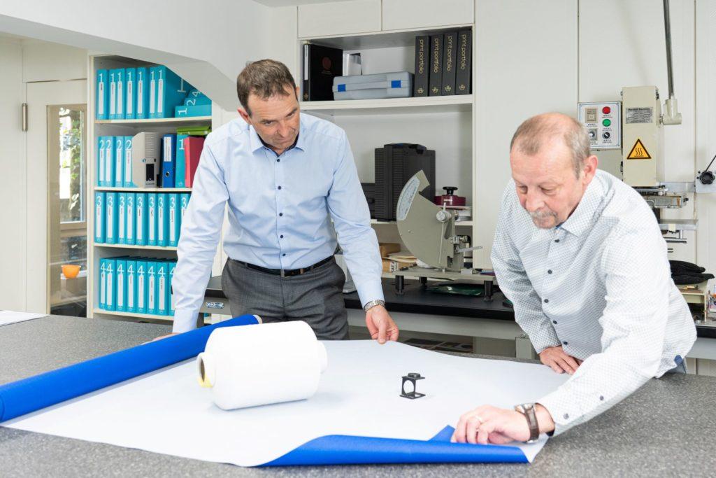 Christoph Borer (l.), CEO Winter & Company, und Danny Grossenbacher, Produktmanager Winter & Company.
