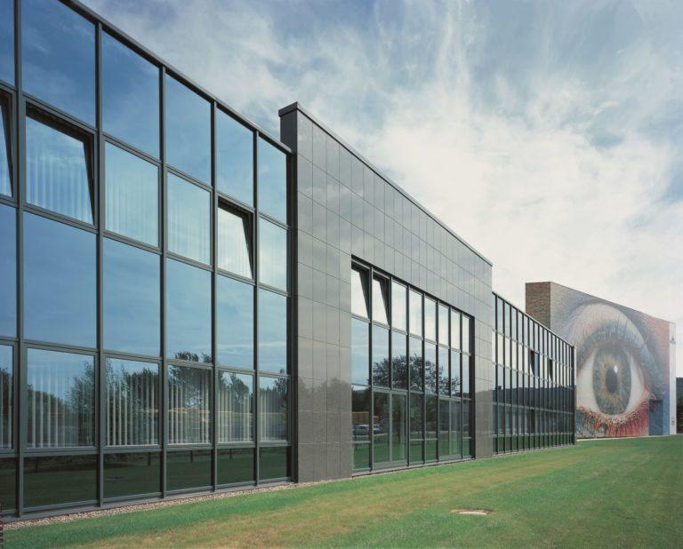 Den Bereich Beschichtungstechnik bildet die Gruppe mit der Neschen Coating GmbH in Bückeburg (unser Foto) ab. Foto: Neschen Coating