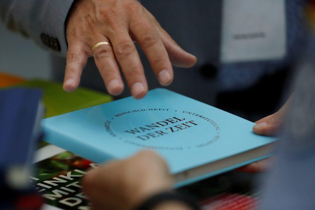 Einige Unternehmen aus der Druckindustrie und PBS-Branche werden Papierartikel im Corporate Design zeigen. Foto: WA Media