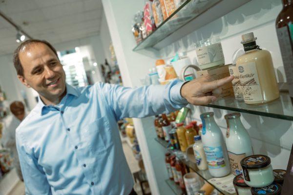 Geschäftsleiter Alexander Schneller-Scharau. Marzek Etiketten+Packaging